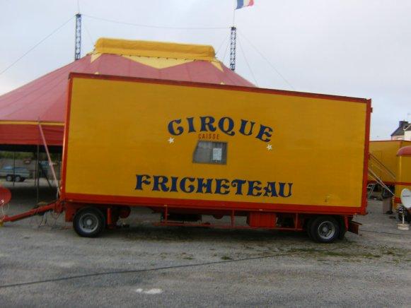 CAISSE DU CIRQUE FRICHETEAU