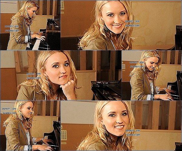 . Photoshoot d'Emily Osment par Micah Smith.____Elle est naturelle et très belle, j'aime. et toi ? $) .