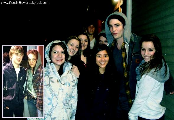 """.  Candids 2011 :  Enfin quelques news, Kristen & Robert étaient hier soir au cinéma de Vancouver  pour voir le nouveau film de Catherine Hardwicke """" Red Riding Hood """" ( Le petit chaperon Rouge )   ."""