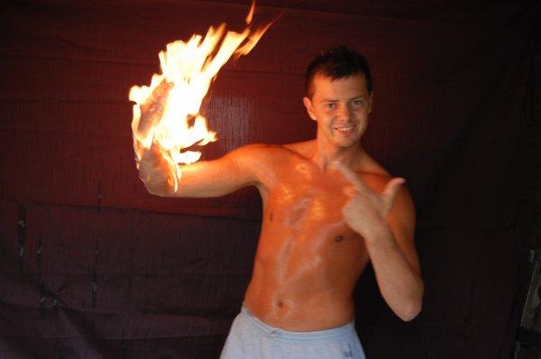 Torche humaine a meme la peau!!!