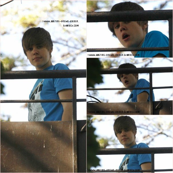 Bieber en Afrique !  .  Justin a enfin pointé le bou de son nez sur une terrasse en Afrique . U smile toujours pas sortit ! En attendant voici un Extrait .