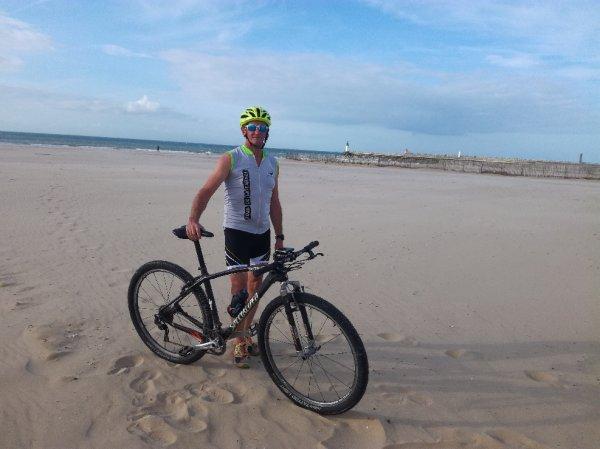Entrainement RUN AND BIKE avec Dim sur la plage de Calais