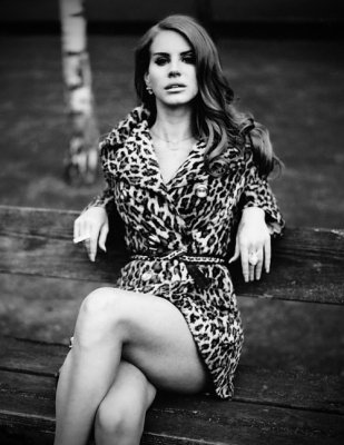 Lana Del Rey a un photoshoot pour Mark Lidell