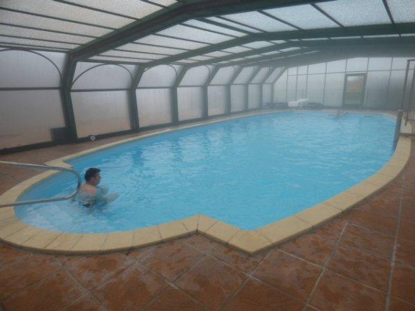 voici ce qu ils y avaient Sauna  Jaccuzzi pour 5 personnes et une piscine de 6 metres  sur 12 metress