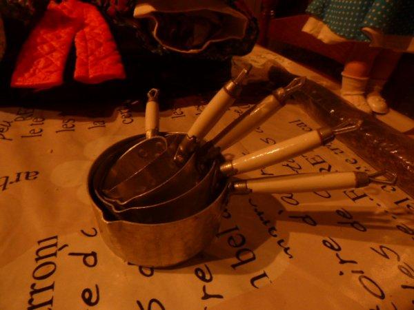 1 serie de casseroles trouver en Normandie