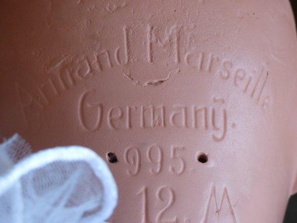 un cadeau surprise qui ma toucher enormement Une poupee Armand Marseille