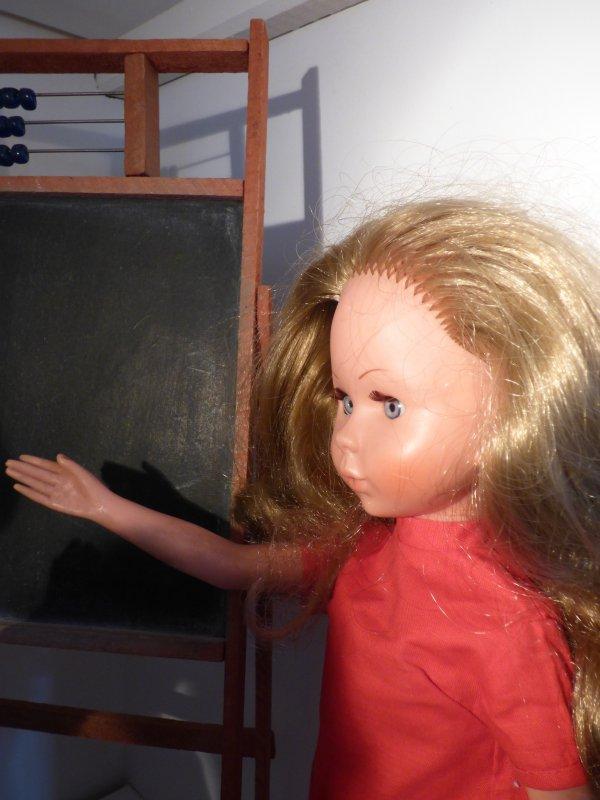 les filles sont studieuses car maman a trouvez un tableau boulier aux halles martenot