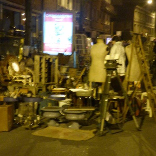 Rederie Demain Debout a 2 H Du mat a Amiens Desole pour les photos mais de nuit  pas au top