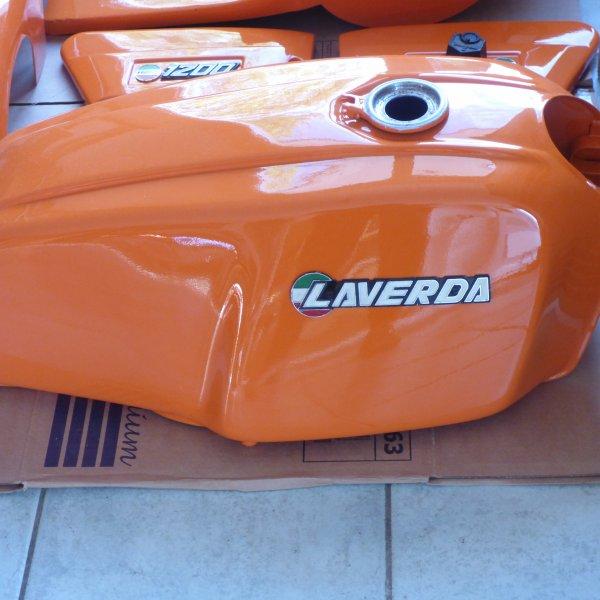 Retauration  de la moto  italienne de mon mari........................LAVERDA.............1200
