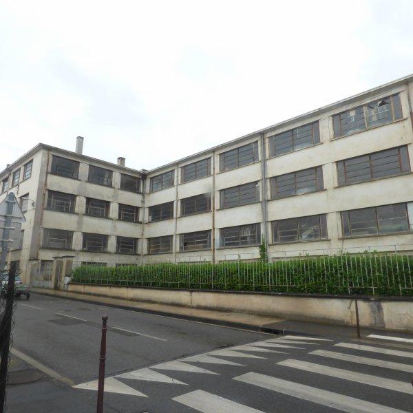 les batiments de l ancienne usine Gégé  a Montbrison 42
