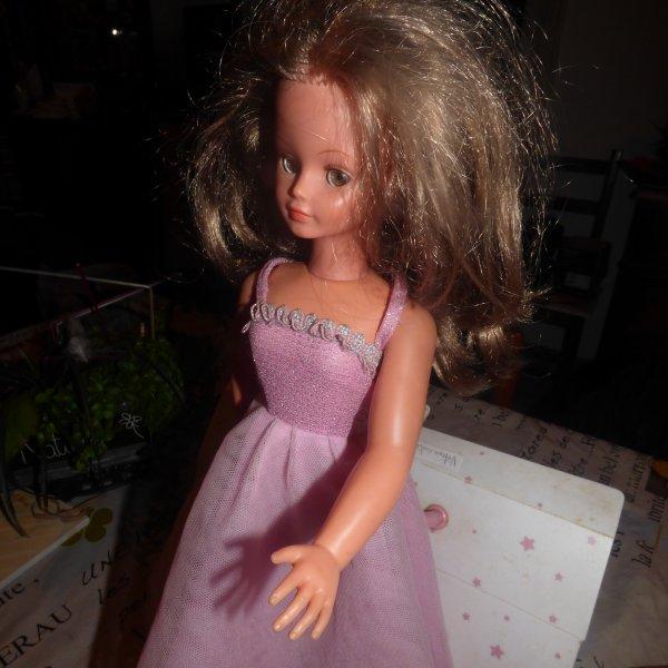 trouvailles a saint aubin du cormier  1 robe de soiree Cathie Bella + chemise de nuit + peignoir Cathie bella  Tenues a identifier avec le nom et l annee merci pour votre aide
