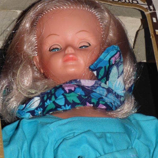 Aller un avant gout de Noel je viens de faire la curieuse..................Voici Ma Cathie  Bella