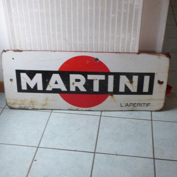 AMBIANCE  BISTRO    CHEZ  LA  BRETONNE...........PLAQUE EMAILLEE............MARTINI