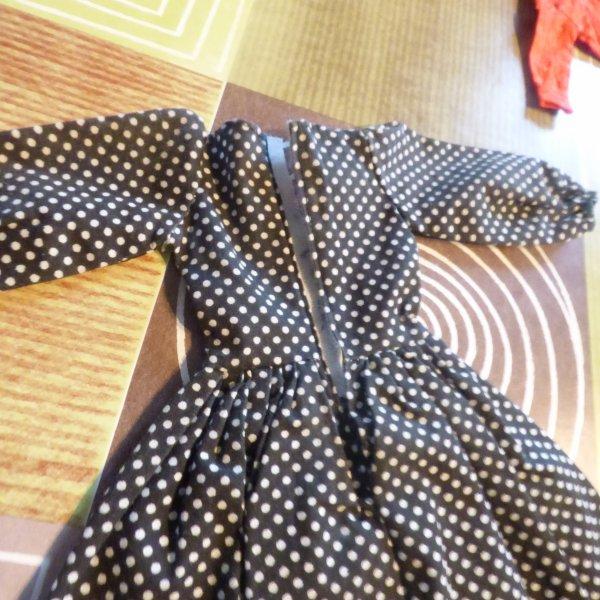 haut tressy et  une robe es une nancy famosa elle va partir chez notre amie Muriel
