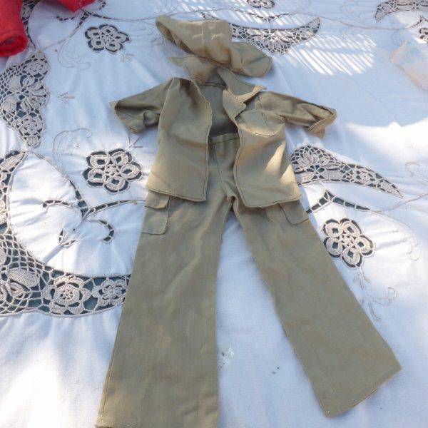voici des tenues Cathie Bella avant lavage.....................a identifier et a dater