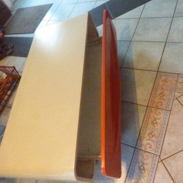 nouvelle episode 2;.....................;; l arrivee  du meuble de salon des annees  70.Peu etre suedois...........Qui connais la marque de ce meuble????