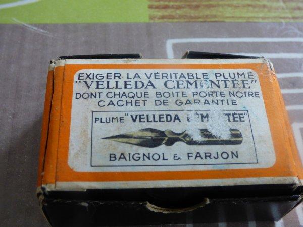 1 souvenirs d ecole..............1 boite complete  Baignol  Farjon............allez  les filles sortez vos buvards........................Toujours  au vide maison