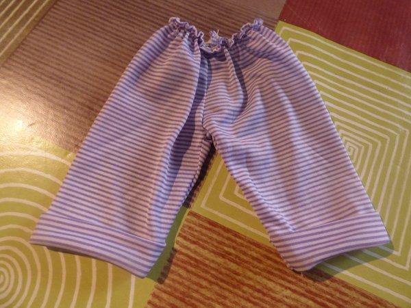 vetements qui je pense etre du cathie bella merci pour votre aide pour l identification des tenues