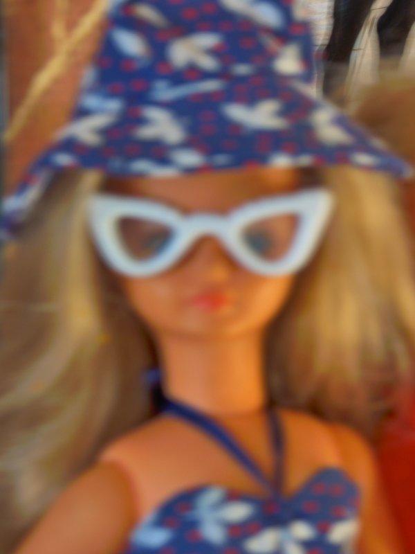 La  tenue  Baleares cathie bella  a retrouvez ces lunettes
