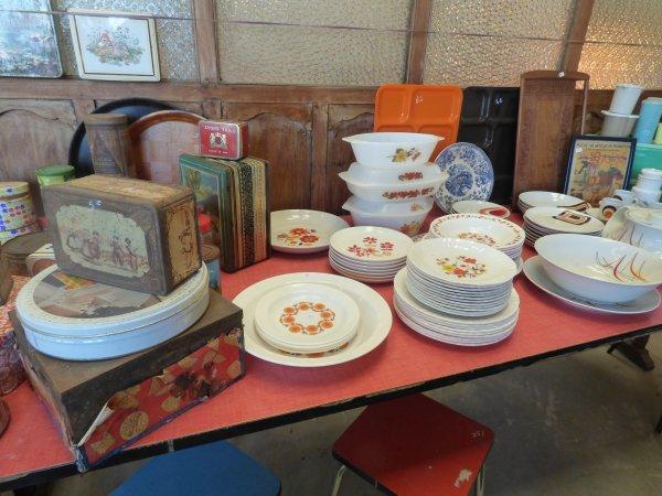 Suite de la visite dans la boutique vintage
