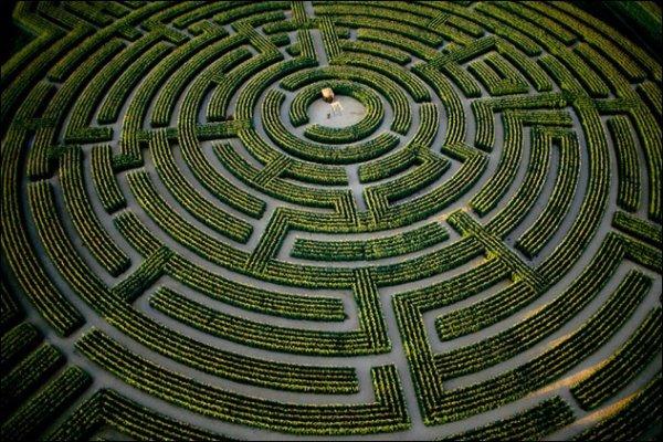 Essayer de résoudre un problème c'est comme se perdre dans un labyrinthe