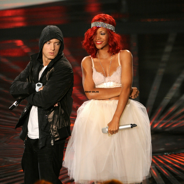 13 Septembre ~ MTV Video Music Awards: Backstage et Performance