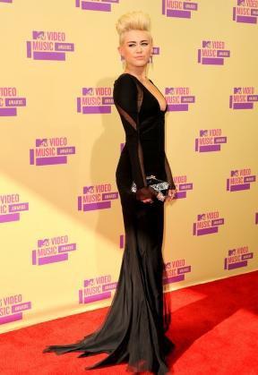 Lors de la cérémonie des MTV VMA, Miley Cyrus nous est apparu plus glamour que jamais !