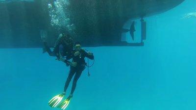 Kossal plongée Hurghada 42 douzième signe : relâche et prise en bout