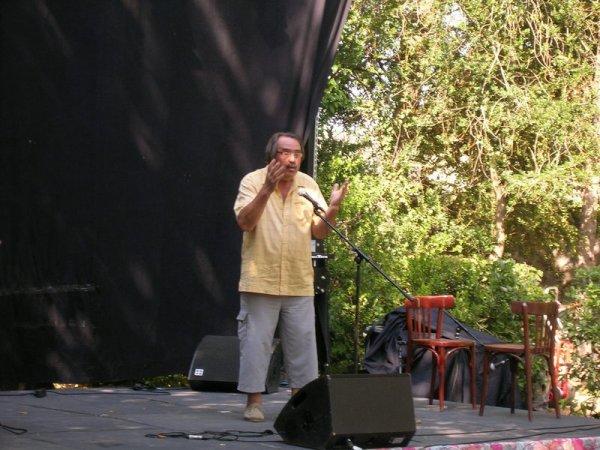 QUELLE  BELLE SOIRÉE A MOUX A LA  10e nuit de la poésie, SLAM + jazz samedi 28 juillet 2012 au parc Lebrau avec  l'association l'Air du temps,