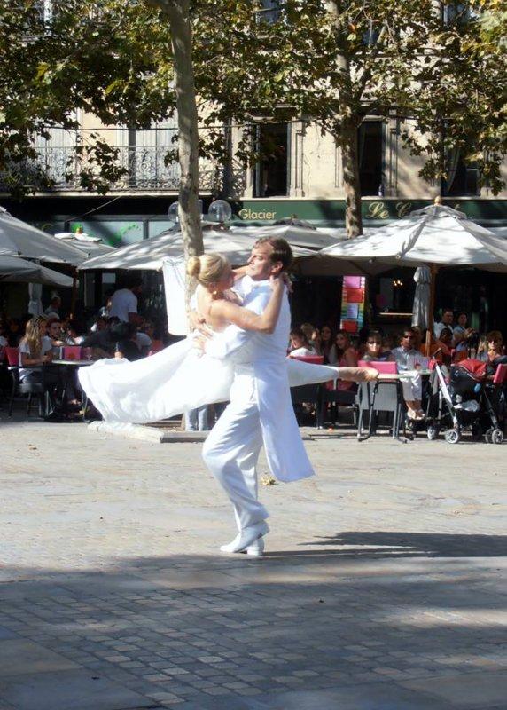 Carcassonne à organiser la journee internationale pour la PAIX DANS LE  MONDE : MERCI A TOUS pour votre participation: Mr Nehari Lakhdar