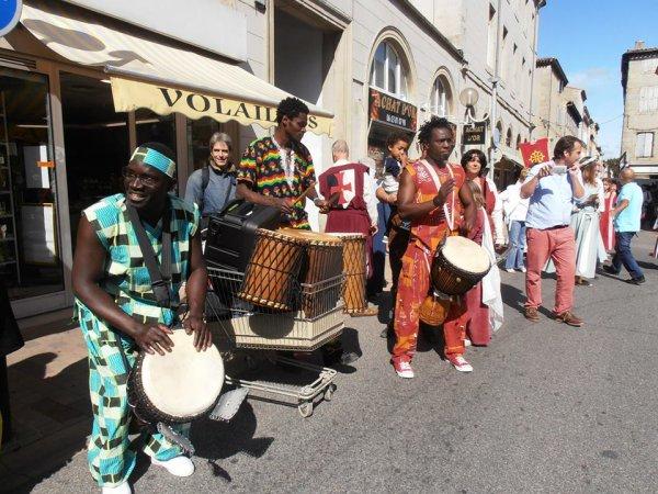 SOIRÉE AFRICAINE  SAMEDI 23 NOVEMBRE 2013 A 19H30 CENTRE SOCIAL Jean MONTSARRAT (VIGUIER)
