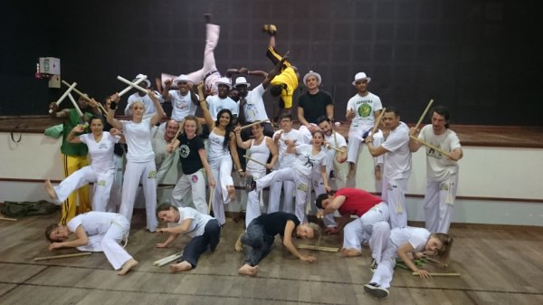 """Soirée afro-brésilienne et stage de capoeira, le 25 avril 2015 : 20H30 """" Les  Messagers du vent """"Animé par  Lakhdar"""
