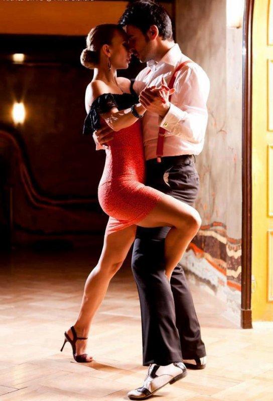 Place à la Danse » Pour tous..!  A Carcassonne Dates : 06/13/27 juin 2015 : 10H30 et 18H00