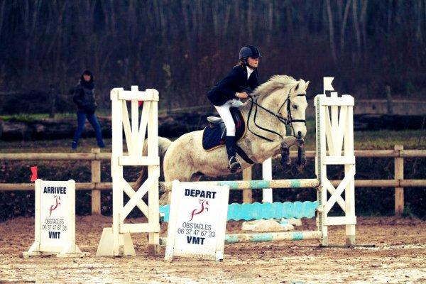 Être à cheval, c'est être entre terre et ciel à une hauteur qui n'existe pas. ♥