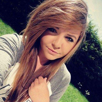 fille de 16 ans brune
