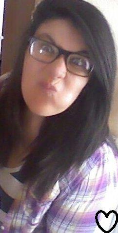 Je ne suis pas la plus belle mais loin d'être la plus moche (: