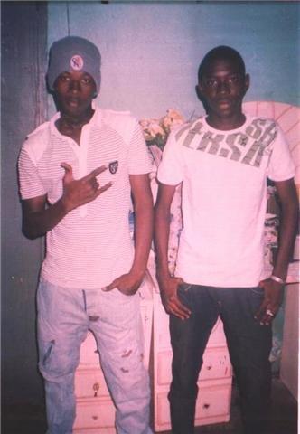 Assane et son ami je suis ne le 17 11 1988  au mali ma patris i love maliba