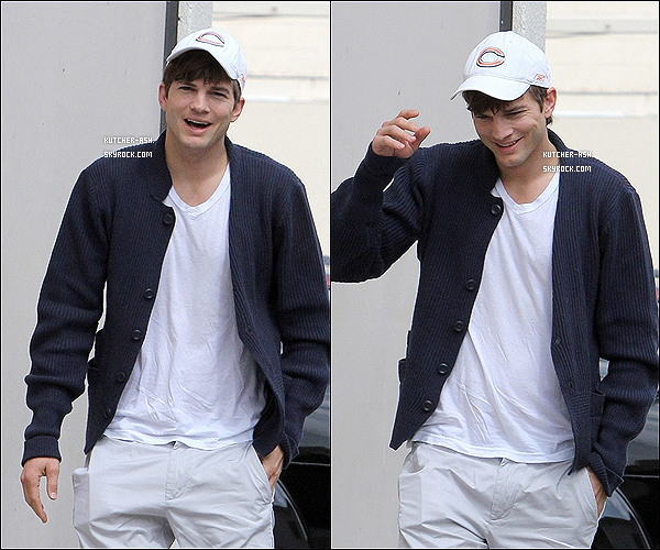 . 25 Mars 2011 : Ashton Kutcher a été vu sortant de la Kabbalah center à Los Angeles (Californie). .