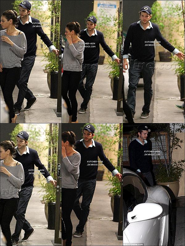 """15/04/12 : Ash' a été vu quittant le restaurant de sushi """"Asanebo"""" à Studio City aux bras de Mila Kunis.    Rumeur Ashton et Mila sont en couple : Ashton Kutcher et Mila Kunis, amis de longue date et célibataires depuis peu auraient été régulièrement aperçus ensemble très proche ! Un photographe a confié que ce rendez-vous ne ressemblait pas à une simple """"bouffe"""" entre potes. Voici ce que raconte le photographe : """"Ashton tenait la main de Mila et Mila était bien habillée. Elle était sexy. C'était clairement plus qu'un dîner entre amis, c'était un vrai rendez-vous amoureux""""...  Que pensez-vous alors Ashton et Mila ensemble ?! Le """"couple"""" Milton existe t-il ?!"""