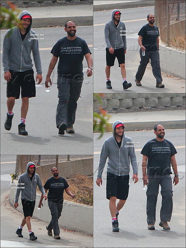 .  04/06/12 : Ash' a été aperçu avec son Rabbin, marchant puis après sur sa Harley D. à Venice Beach. .