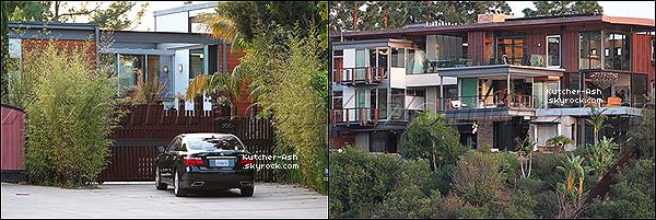 """. 11/06/12 : Ash' dans la peau de Steve Jobs, a été vu sur le tournage du film 'jOBS"""" à San Francisco. ."""