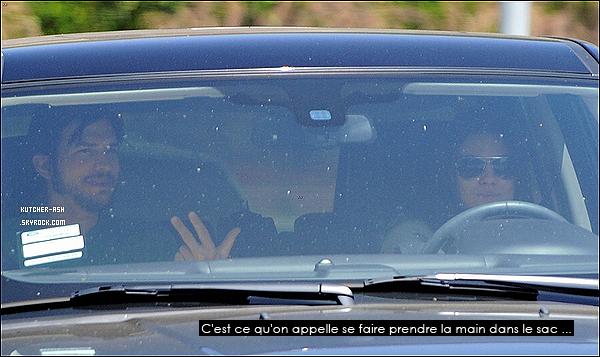 """. 21/06/12 : Ashton a été vu encore une fois avec Mila Kunis allant au Bean & Tea Leaf à L.A. Le lendemain (22 juin 2012) Ash' a été vu au tournage de son prochain film """"jOBS"""" où il tien le rôle de Steve Jobs... ."""