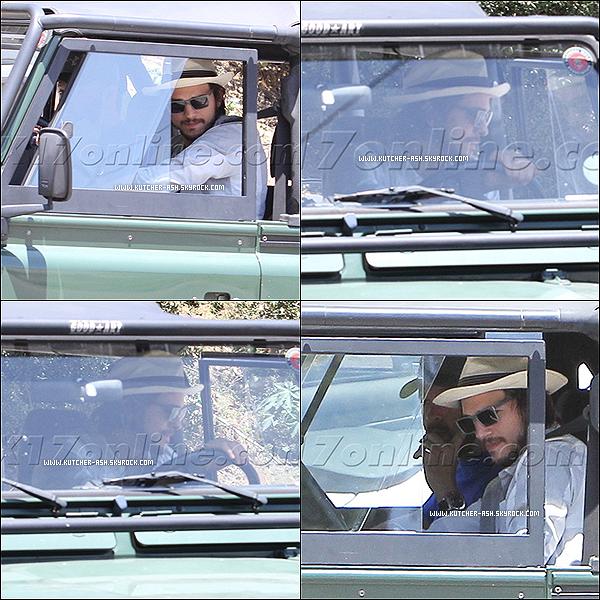 . 25 juin 2012 : C'est un Ashton Kutcher paniquant que nous retrouvons ! Eh oui, un jour ou l'autre on s'y attendait tous ! Le Kutcher a grillé un feux rouge et s'est fait prendre par la police ... dans sa Land Rover à Beverly Hills. .