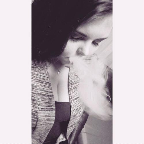 on dit que fumer tue mais non cest aimer qui tue..
