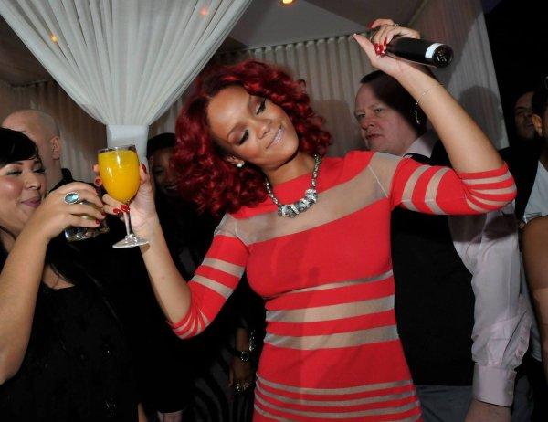 rihanna  le 31 decembre était au Caesars Palace, un night club de las vegas....