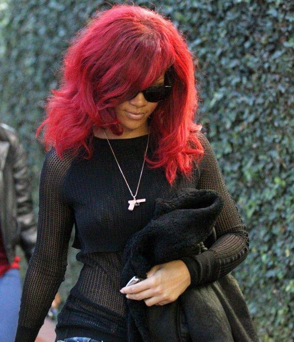 Un style qui déchire....Rihanna était ce vendredie 06 janvier a hollywood avec rebbeca