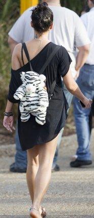 Ce 03-03-2012 Vanessa Hudgens et ashley Benson aperçu entrain de se détendre !