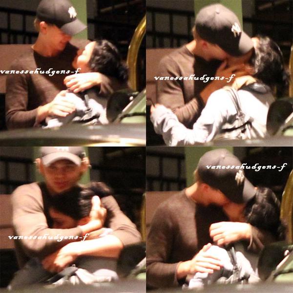 Ce 11-03-2012  Vanessa Hudgens et Austin aperçu à Tampa Tongue Tryst s'embrassant tendrement ^^!
