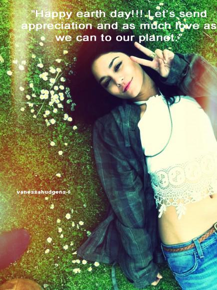 Vanessa souhaite à ses fans un Happy earth day !!! + Punk'd piège Vanessa :)
