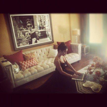 Ce Lundi 28-05-2012   Vanessa Hudgens était à l'aéroport de Nice  avec Austin Butler !